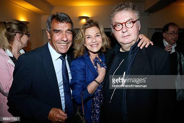 The father of Laurent Gerra Nanou Gerra actress Nicole Calfan and Dominique Besnehard posing backstage after the show attend Laurent Gerra celebrates...