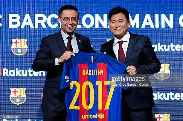 The FC Barcelona president Josep Maria Bartomeu and the Rakuten CEO Hiroshi Mikitani launching the new FCBarcelona Global Partner Rakuten on November...