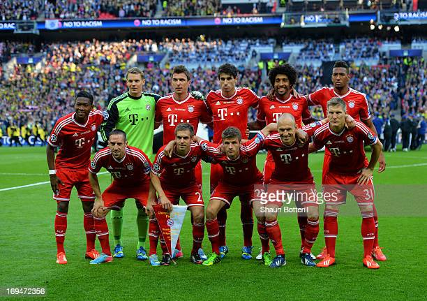 The FC Bayern Muenchen team line up ahead of the UEFA Champions League final match between Borussia Dortmund and FC Bayern Muenchen at Wembley...