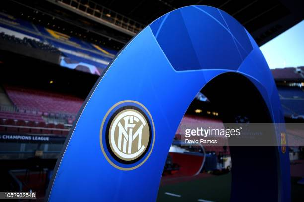 The FC Internazionale logo is seen prior to the Group B match of the UEFA Champions League between FC Barcelona and FC Internazionale at Camp Nou on...