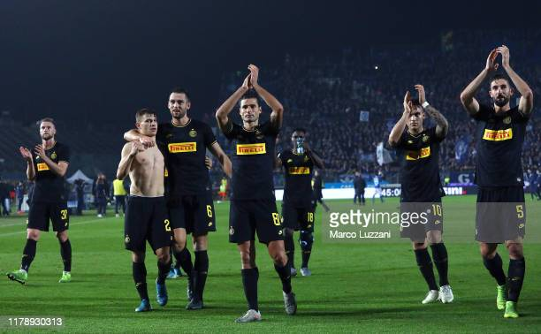 The FC Internazionale players salute the crowd at the end of the Serie A match between Brescia Calcio and FC Internazionale at Stadio Mario Rigamonti...