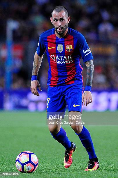 The FCBarcelona defender Aleix Vidal running with the ball during FCBarcelona vs Unione Calcio Sampdoria Joan Gamper Trophy at Nou Camp on August 10...