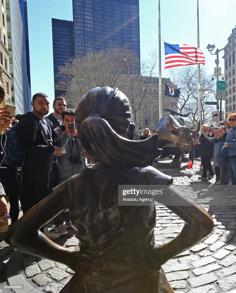 'The Fearless Girl' statue in New York : News Photo