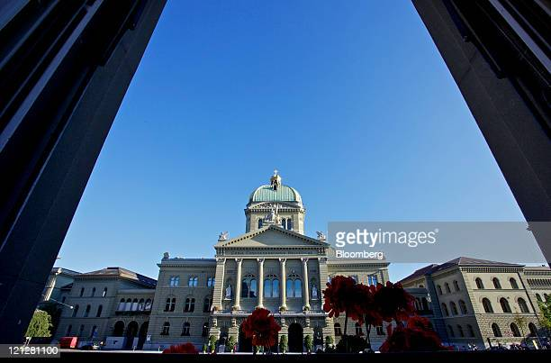 The Federal Palace Switzerland's parliament building is seen in Bern Switzerland on Tuesday Aug 16 2011 The franc strengthened after the Swiss...
