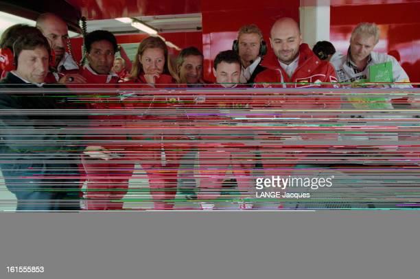 The Ferrari Team At Luxembourg Formula 1 Grand Prix On The Circuit Of Nurburgring En Allemagne sur le circuit du Nürburgring Septembre 1998 les...