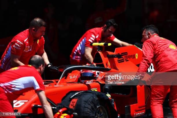 The Ferrari team work in the Pitlane during final practice for the F1 Grand Prix of France at Circuit Paul Ricard on June 22, 2019 in Le Castellet,...