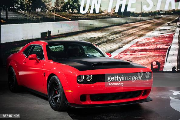 foto 39 s en beelden van fiat chrysler automobiles nv dodge demon reveal ahead of the 2017 new york. Black Bedroom Furniture Sets. Home Design Ideas