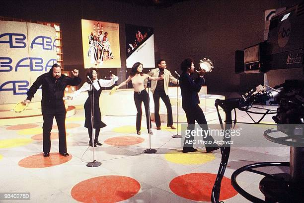 BANDSTAND 9/13/1969 The Fifth Dimension performs on American Bandstand