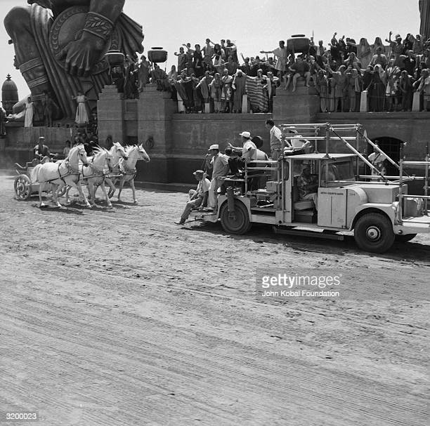 The filming of the famous chariot race for 1925's historical epic 'Ben Hur' directed by Fred Niblo