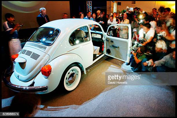 The final edition of the VW bug is unveiled at VW's plant in Pueblo Mexico The last VW bug rolled of the production line in at the Volkswagen car...