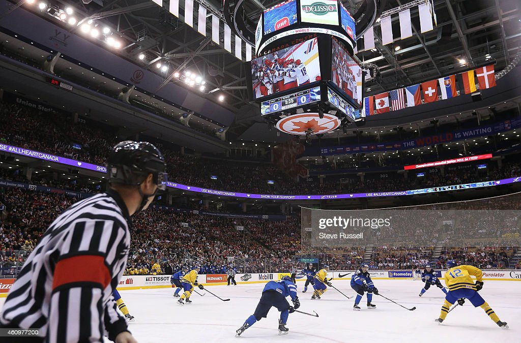 TORONTO, ON- JANUARY 2 - The final minutes of the USA versus Russia game plays on the scoreboard as Team Sweden plays Finland in the quarter final round of the IIHF World Junior Hockey Tournament at the Air Canada Centre in Toronto. January 2, 2015.