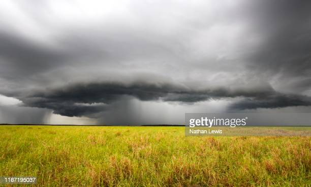 the final top-up - floods and drought stock pictures, royalty-free photos & images