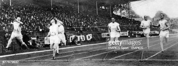 The finals of the 200m From left Charles Paddock of the US 2nd Eric Liddell of great Britain third Jackson Scholz of the US first Bayes Norton of the...