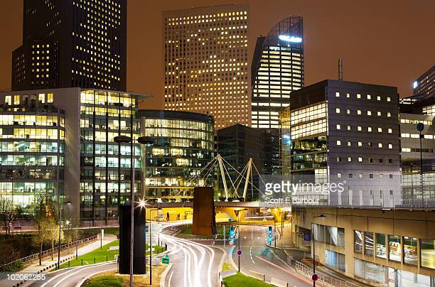 the financial district, la defense - hauptstadt stock-fotos und bilder