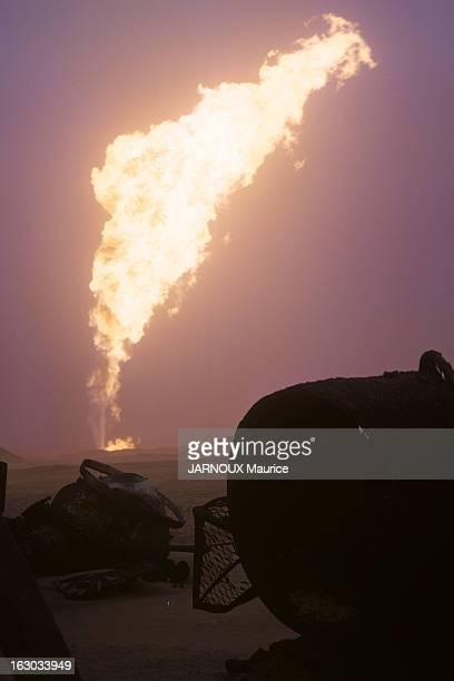 The Fire Of The Oil Well Of GassiTouil In The Sahara Boots HANSEN 35 ans 168 puits éteints céclara en arrivant qu'il n'avait jamais vu un tel...