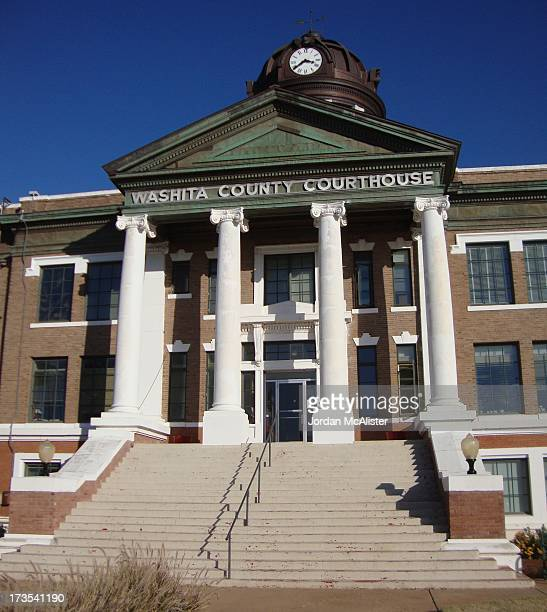 CONTENT] The firm of Layton Wemyss Smith and Hawk designed this lovely courthouse in 1910 The same firm minus Wemyss designed the nearby courthouse...