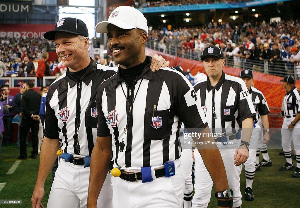 Super Bowl XLII : News Photo