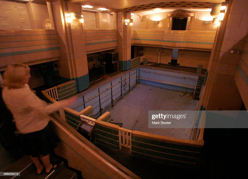 The first class indoor swimming pool aboard the queen mary - Queen mary swimming pool victoria ...