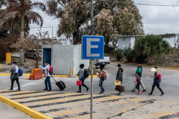 MEX: Asylum Seekers Enter U.S. After Biden Ends Trump's 'Remain In Mexico' Policy