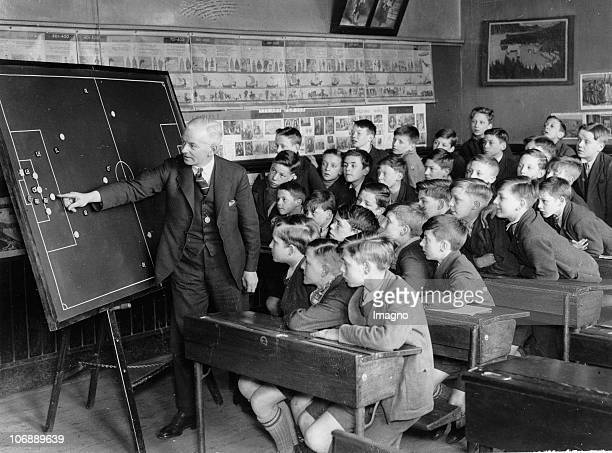 The first magnetic board to be used in Sheffield - and at the same time one of the first used in the country - was installed at the Spingfield...
