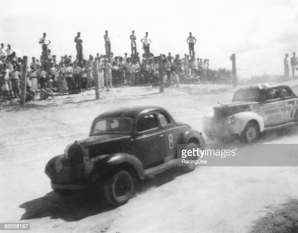The first NASCARsanctioned race was held on Daytona Beach in 1948 for modifiedsportsman cars