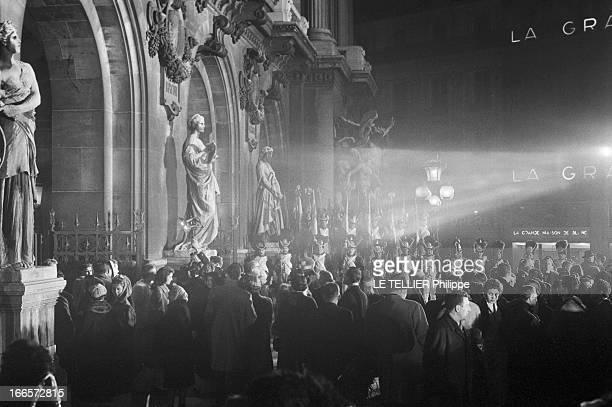 The First Of The Movie 'Napoleon' By Sacha Guitry At The Paris Opera Paris le 10 mars 1955 La première du film 'Napoléon' de Sacha GUITRY à l'Opéra...
