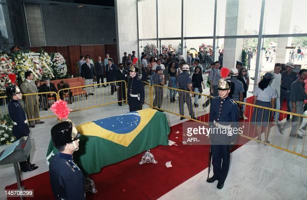 The first of thousands of Brazilians start queueing on May 04 1994 to pay their last respects to late Formula One champion Ayrton Senna as the coffin...