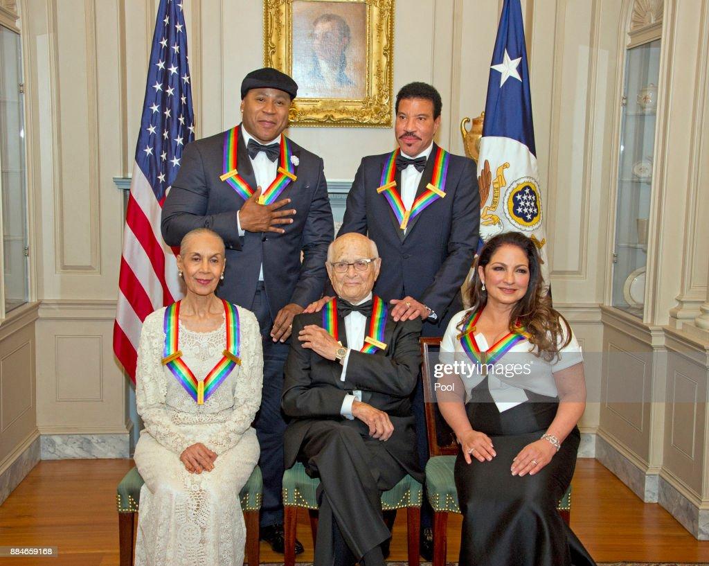 2017 Kennedy Center Honors Formal Artist's Dinner Arrivals : News Photo
