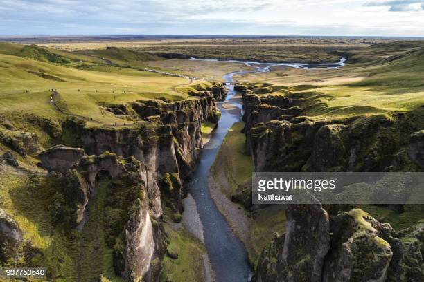 the fjadrargljufur river canyon in south iceland. - cañón tipo de valle fotografías e imágenes de stock