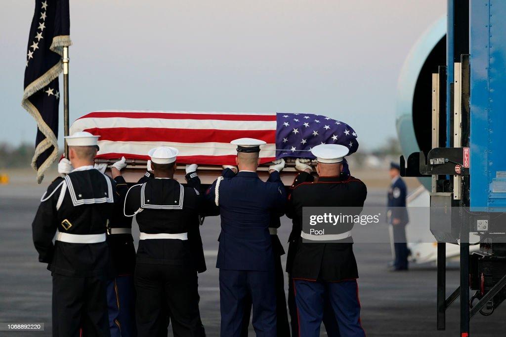 Body Of President George H.W. Bush Arrives To Ellington Air Field From D.C. For Services In Texas : ニュース写真