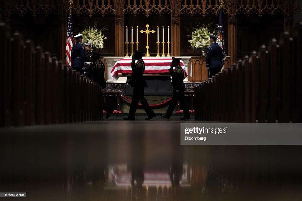 Funeral Service Held For Former U.S. President George H.W. Bush : Foto di attualità