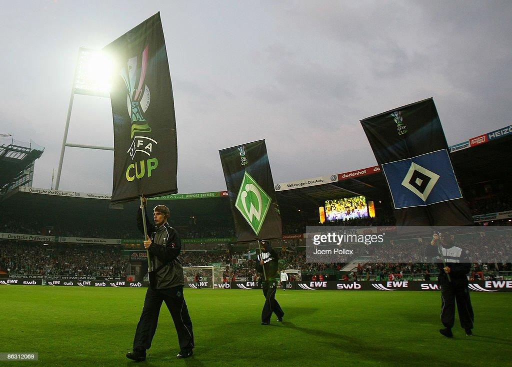 Werder Bremen v Hamburger SV - UEFA Cup : News Photo