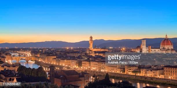the florence skyline - alba crepuscolo foto e immagini stock