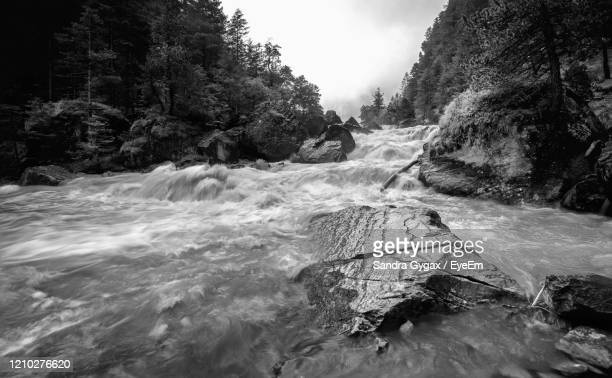 the flow of the kander in switzerland - sandra gygax stock-fotos und bilder