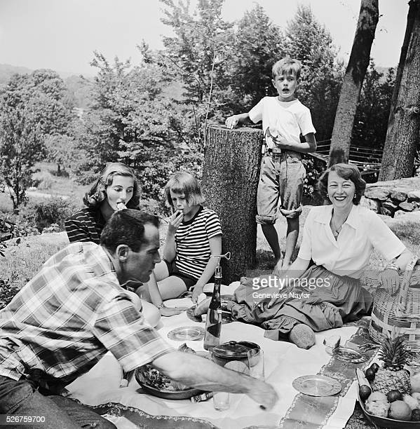 The Fonda Family enjoy a picnic in 1949
