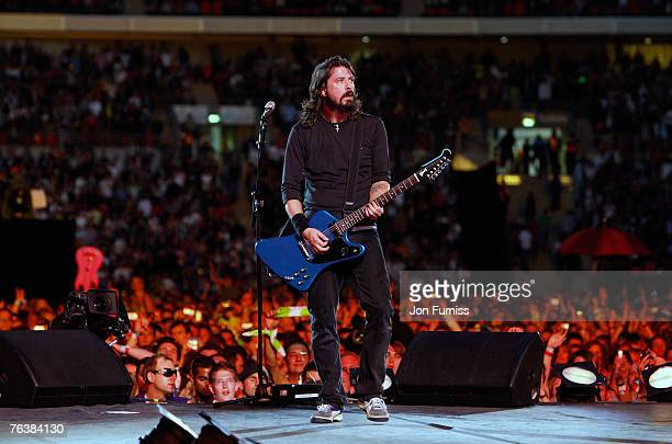 The Foo Fighters perform on stage during the Live Earth concert held at Wembley Stadium on July 7 2007 in London Live Earth is a 24hour 7continent...
