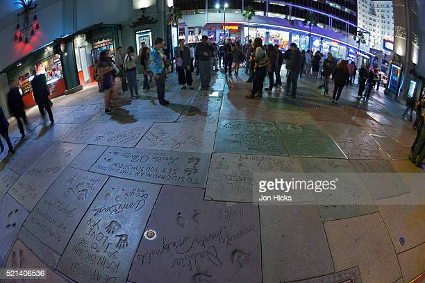 the forecourt of grauman's chinese theatre. - hollywood boulevard stock pictures, royalty-free photos & images