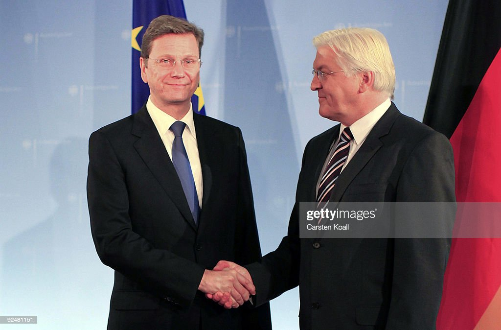 Westerwelle Takes Over Job As Foreign Minister : Fotografía de noticias