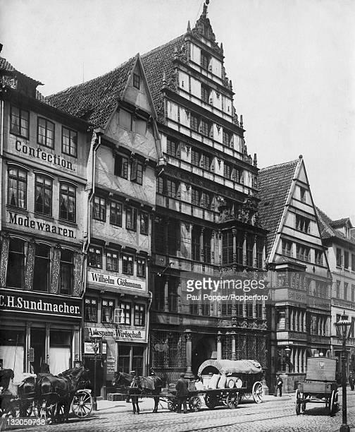 The former home of German philosopher and mathematician Gottfried Wilhelm Leibniz at 10 Schmiedestrasse, Hanover, Germany, circa 1900.