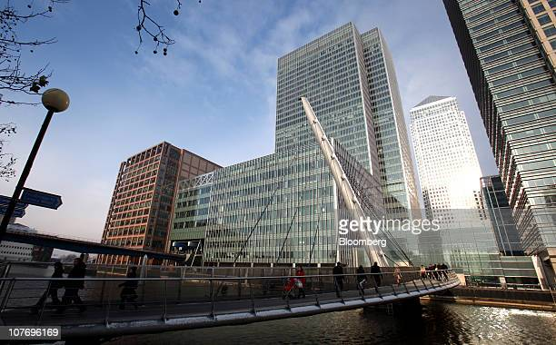The former London headquarters of Lehman Brothers Holdings Inc center is seen in Canary Wharf London UK on Monday Dec 20 2010 JPMorgan Chase Co the...
