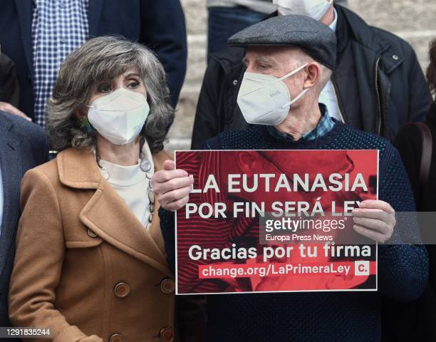 The former Minister of Health and current Secretary of Health of the Federal Executive Commission of the PSOE, María Luisa Carcedo , together with...