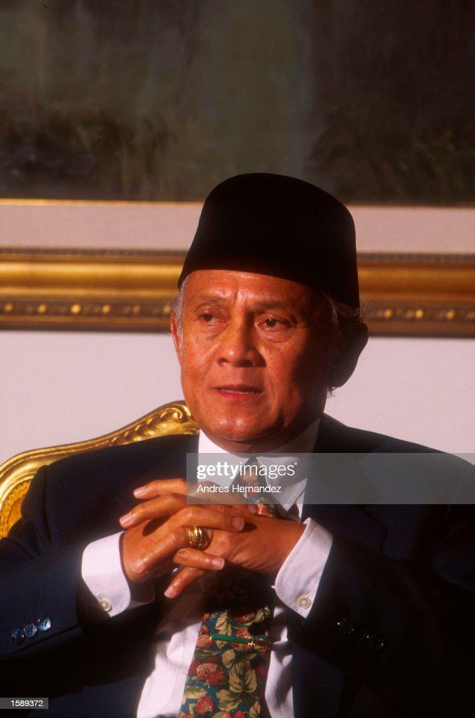 PRESIDENT B.J. HABIBIE OF INDONESIA : News Photo