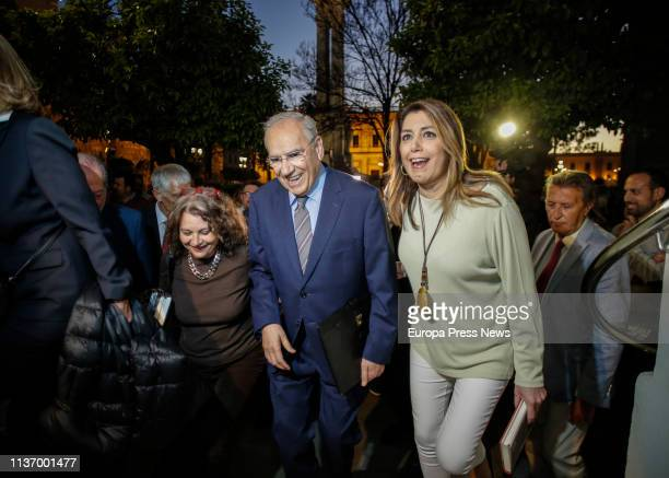 The former vice president of the Government Alfonso Guerra is seen before the presentation of his book 'La España en la que creo' accompanied by the...