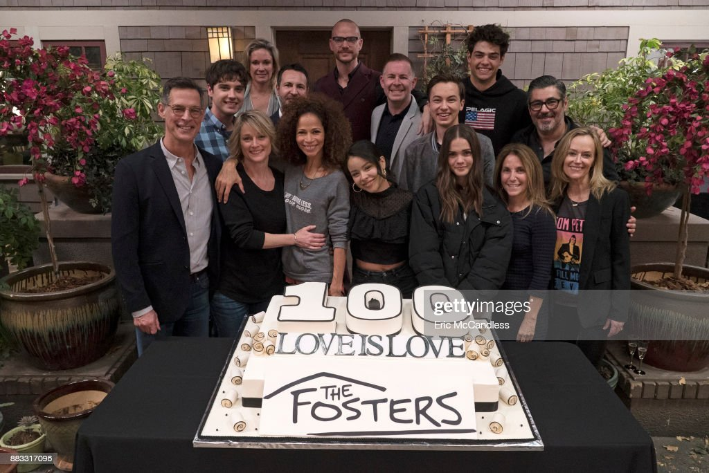 THE FOSTERS - The Fosters celebrates the 100th episode. , DAVID LAMBERT, JOANNA JOHNSON (EXECUTIVE PRODUCER), TERI POLO, GREG GUGLIOTTA (EXECUTIVE PRODUCER), SHERRI SAUM, PETER PAIGE (EXECUTIVE PRODUCER), CIERRA RAMIREZ, BRAD BREDEWEG (EXECUTIVE PRODUCER), HAYDEN BYERLY, MAIA MITCHELL, NOAH CENTINEO, CHRISTINE A. SACANI (EXECUTIVE PRODUCER), DANNY