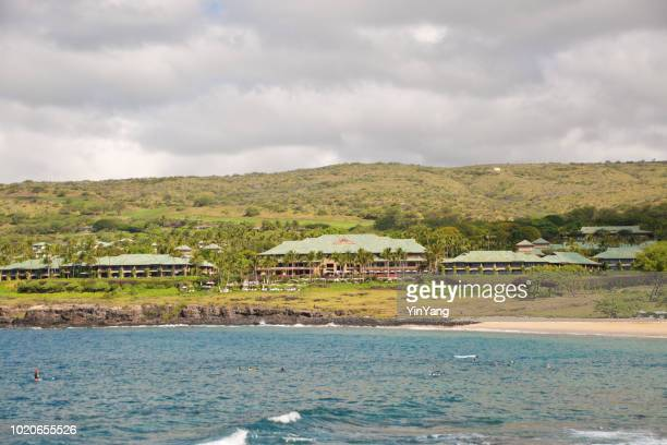 the four seasons hotel on hulopoe beach of lanai island in hawaii - lanai stock photos and pictures