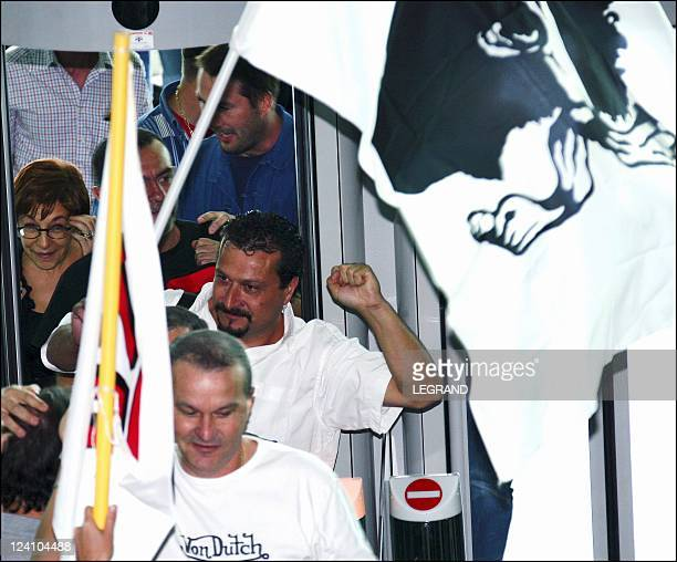 The four STC sailors released arrive In Bastia France this morning at 11am On October 01 2005 The families were there with more than 300 union...