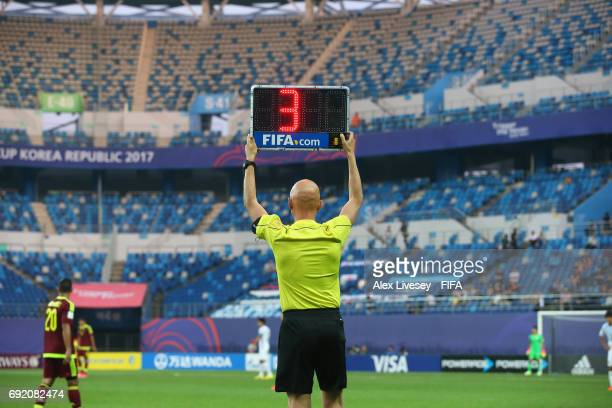 The fourth official raises the additional time board during the FIFA U20 World Cup Korea Republic 2017 Round of 16 match between Venezuela and Japan...