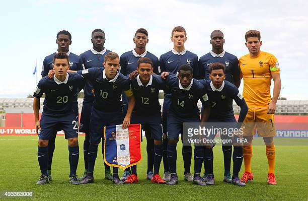 The France U17 Starting XI pose for a group photo prior to the New Zealand v France Group F FIFA 2015 U17 World Cup match at Estadio Chinquihue on...