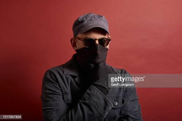 the fraudster - criminal stock pictures, royalty-free photos & images