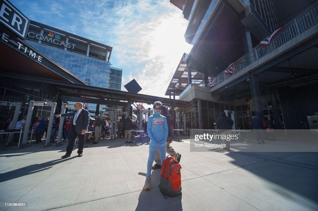 The Freeze Jr  arrives at SunTrust Park before the MLB